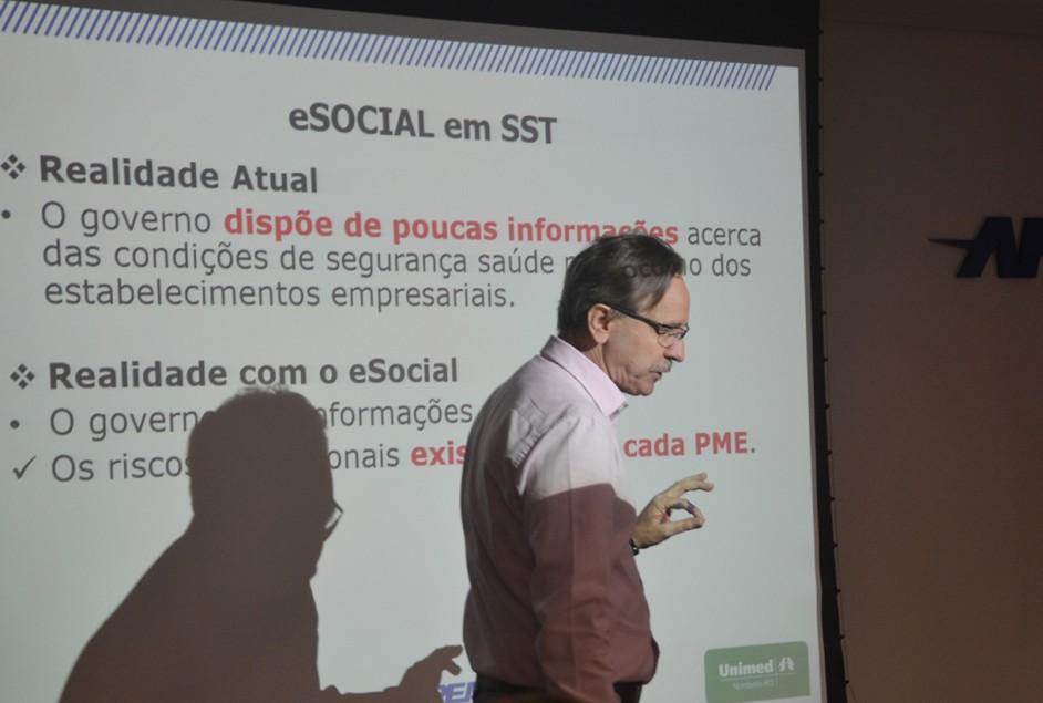"""""""O eSocial existe em todo o mundo, não com esse nome, mas com a mesma função"""", diz especialista"""