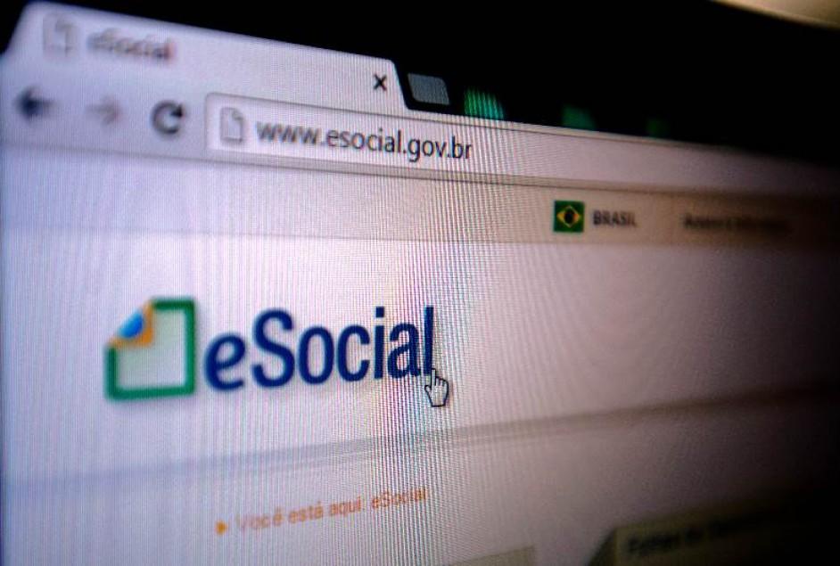 Empresas devem começar a adesão ao eSocial a partir de 16 de julho